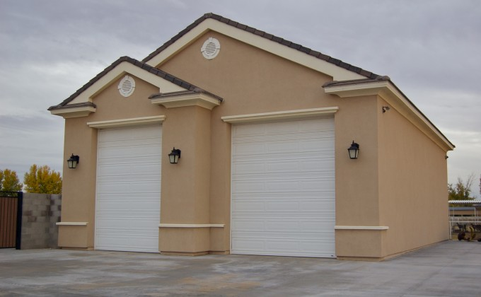 Detached garage eddie and son lath and stucco for Stucco garage